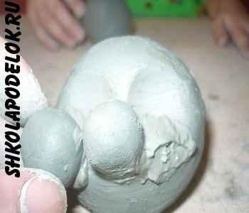 Лепим колобка из глины