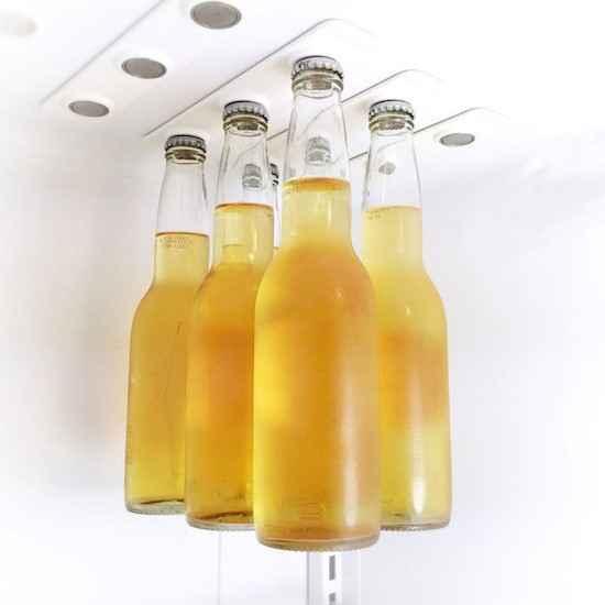 Хранение пива в холодильнике с помощью магнитов